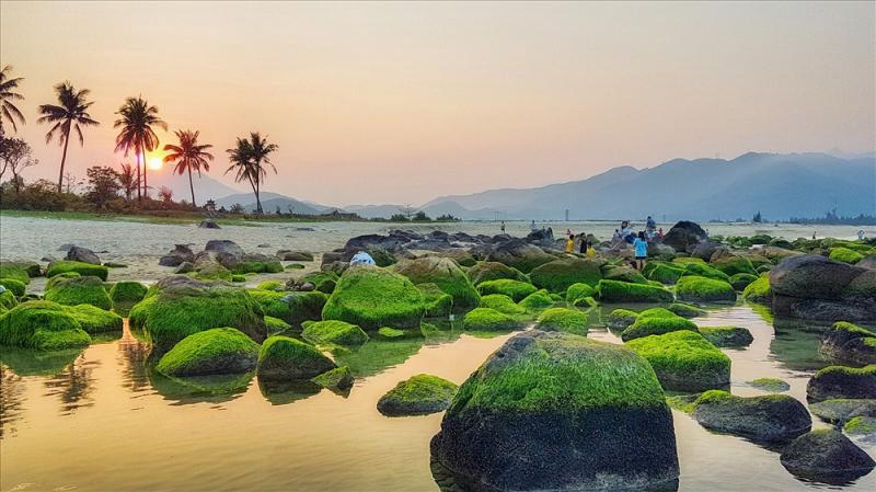 Phong cảnh rạn Nam Ô