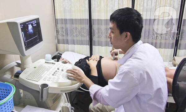 Siêu âm 4D tại phòng khám, cho độ chính xác cao