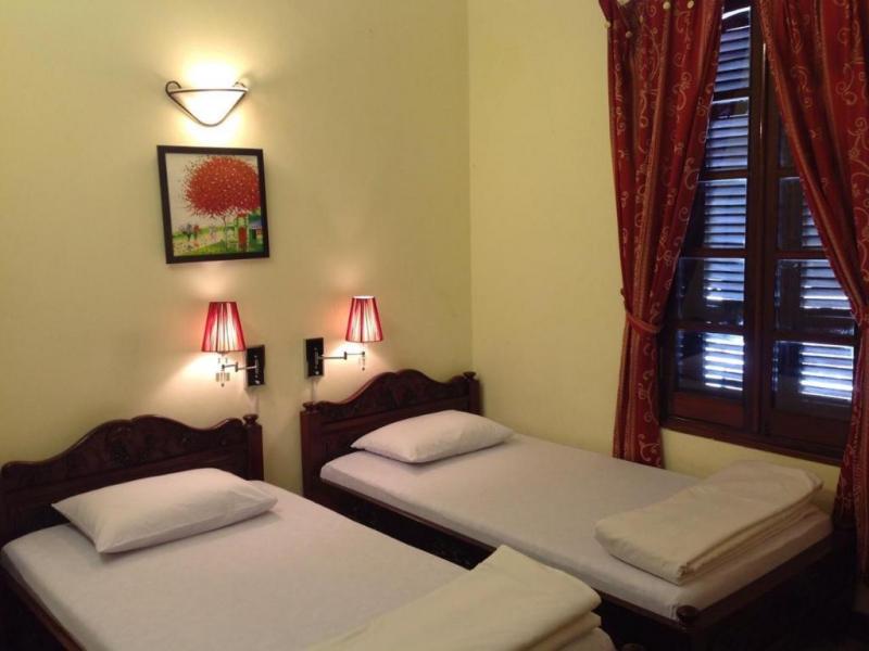 Phong Lan 2 Hotel