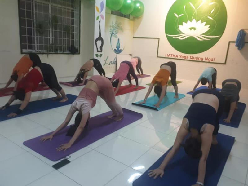 Phòng tập Hatha Yoga Quảng Ngãi