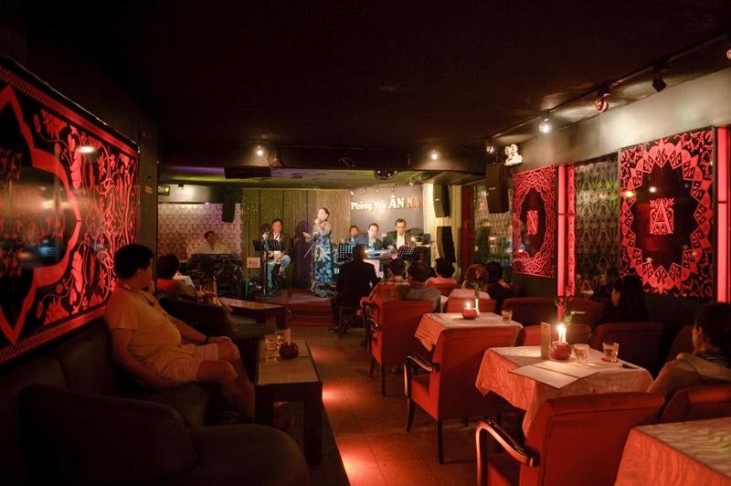 Hẹn hò Valentine tại các phòng trà ca nhạc