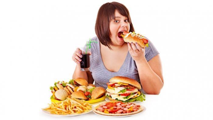 Tránh ăn nhiều đồ chiên, xào và những thức ăn chứa nhiều chất đạm bạn nhé!