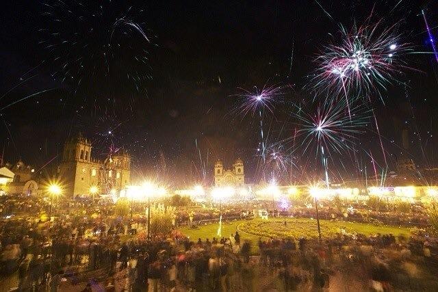 Quang cảnh lễ hội đón mừng năm mới ở Peru.
