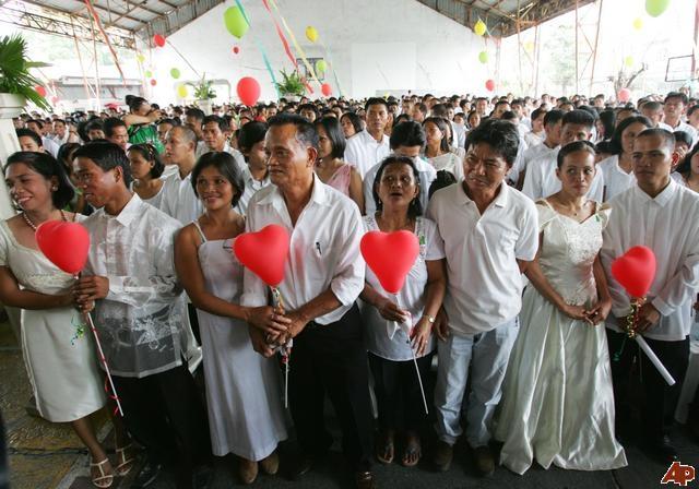 Ngày Valentine đã trở thành thời điểm hoàn hảo để các cặp đôi tổ chức lễ cưới