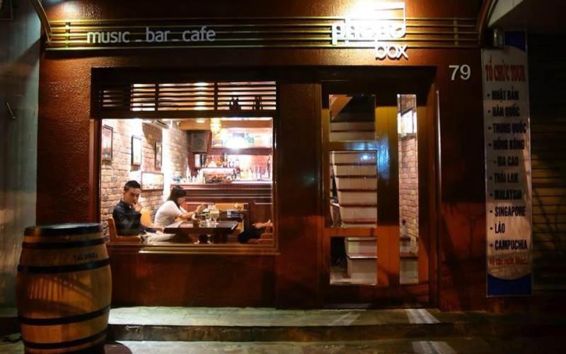 Phono Box - Cafe & Restaurant