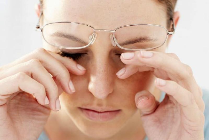 Phớt lờ các triệu chứng về mắt
