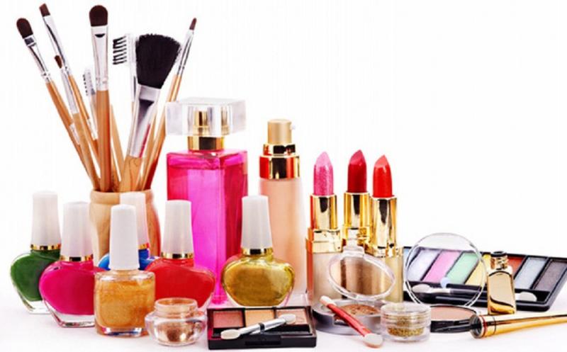 Phthalate là loại hóa chất công nghiệp được dùng để ổn định màu sắc và mùi thơm