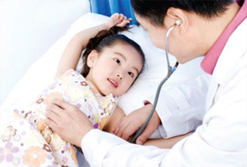 Trẻ ốm nên đưa đến cơ sở Ytế để được chăm sóc