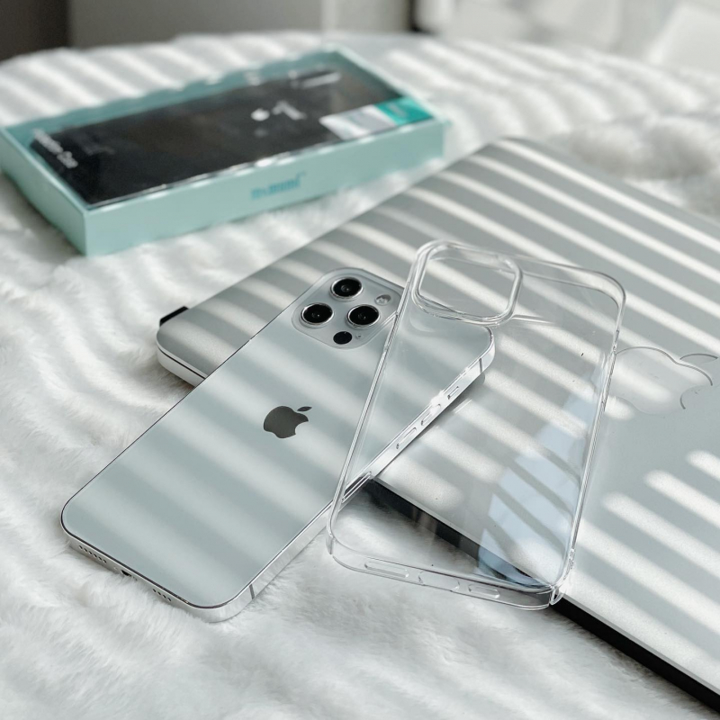 Chiếc ốp lưng đơn giản và chống ố màu cho iPhone 12