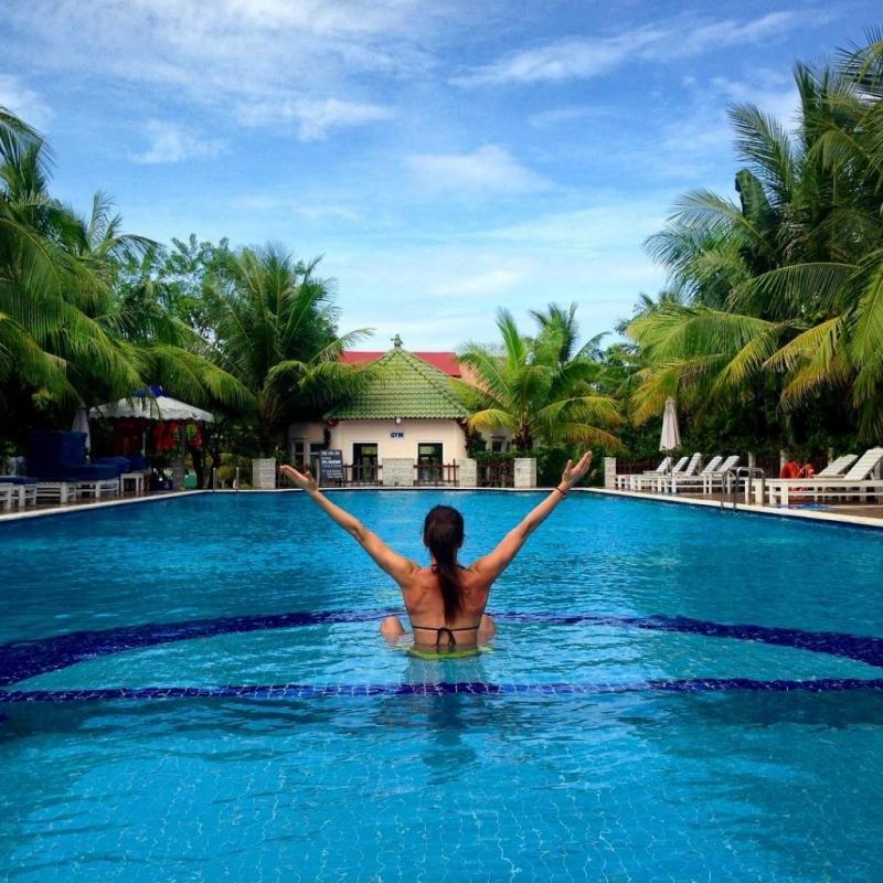 Hồ bơi với view siêu đẹp mang đến cho bạn sự thoải mái và những bức ảnh cực chất