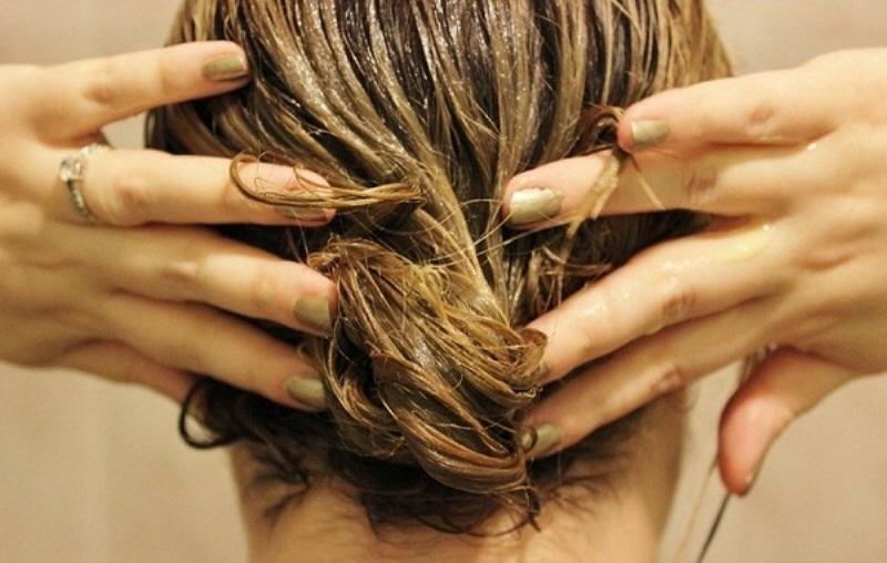 Phục hồi tóc hư tổn