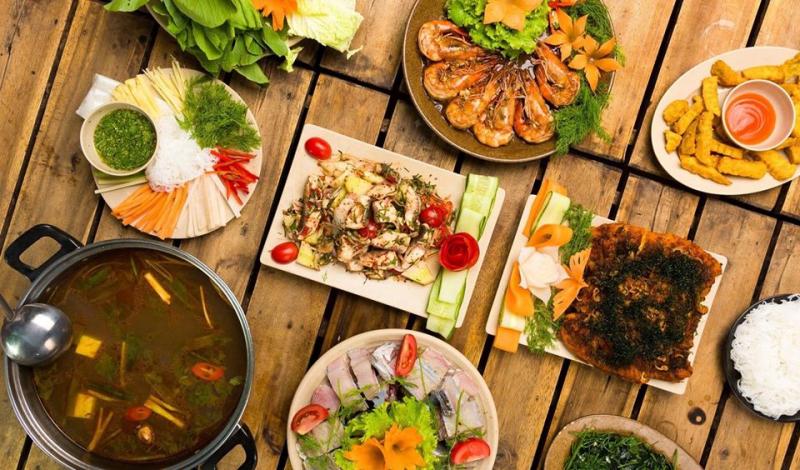 Đồ ăn tại Phủi Quán rất ngon, luôn được lòng thực khách mỗi khi ghé đến dùng bữa