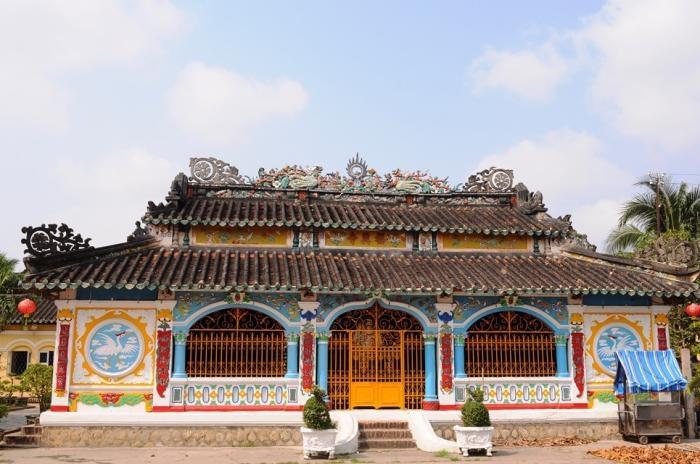 Ngôi chùa hơn một thế kỹ vẫn đứng sừng sững theo thời gian