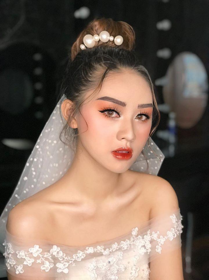 Phương Chi Makeup Academy