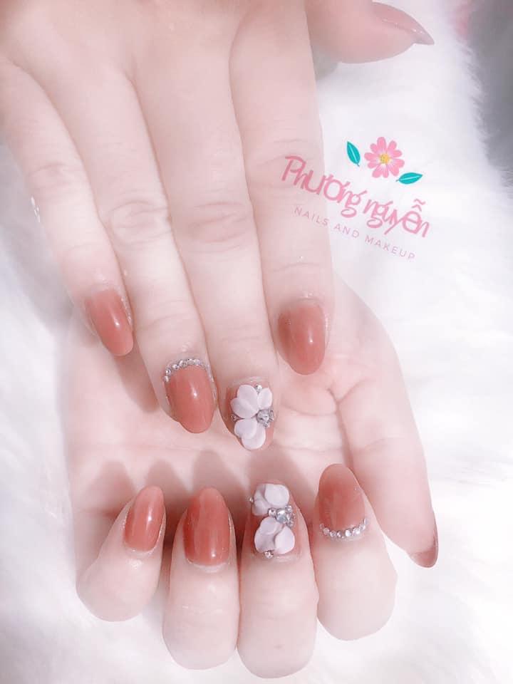 Phương Nguyễn (Nails and makeups)