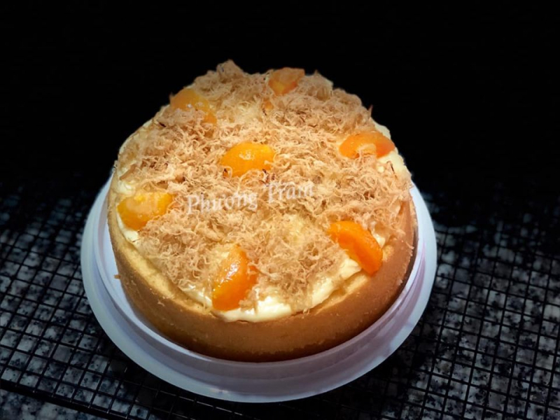 Bánh bông lan trứng muối tại Phương Trầm