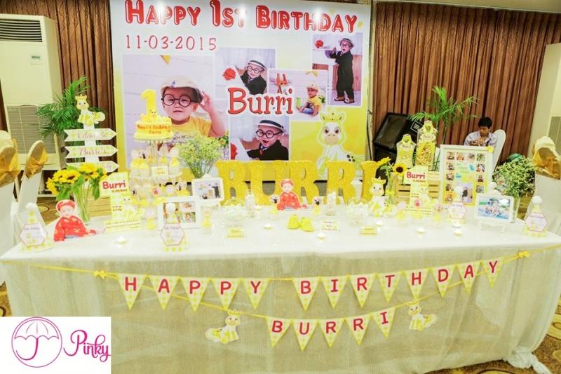 Trang trí bàn tiệc sinh nhật cho bé theo yêu cầu