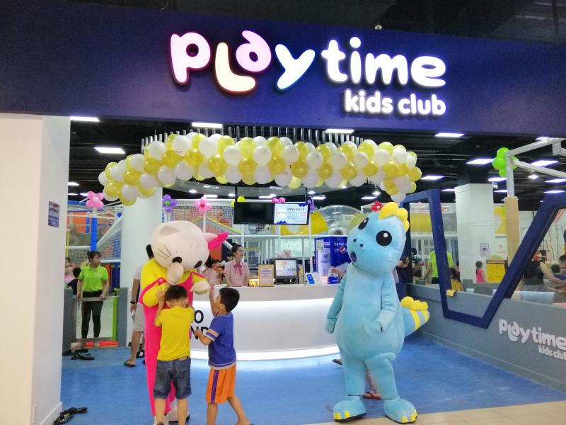Playtime Kids Club tọa lạc tại khu trung tâm thương mại sầm uất bậc nhất
