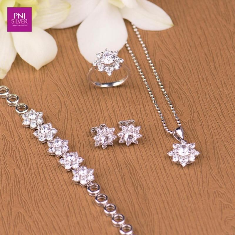Top 8 Cửa hàng trang sức bạc uy tín và chất lượng nhất TP. HCM