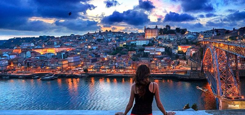 Thành phố Porto lung linh khi về chiều
