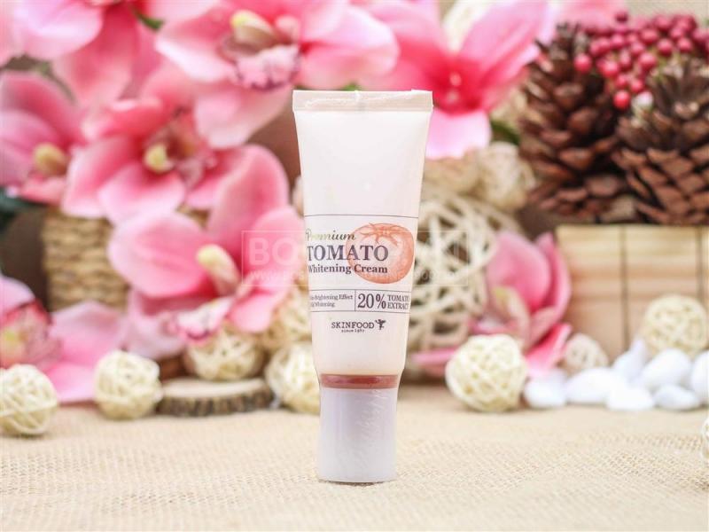 Premium Tomato Whitening Cream SKinfood với 20% thành phần là cà chua hữu cơ nguyên chất