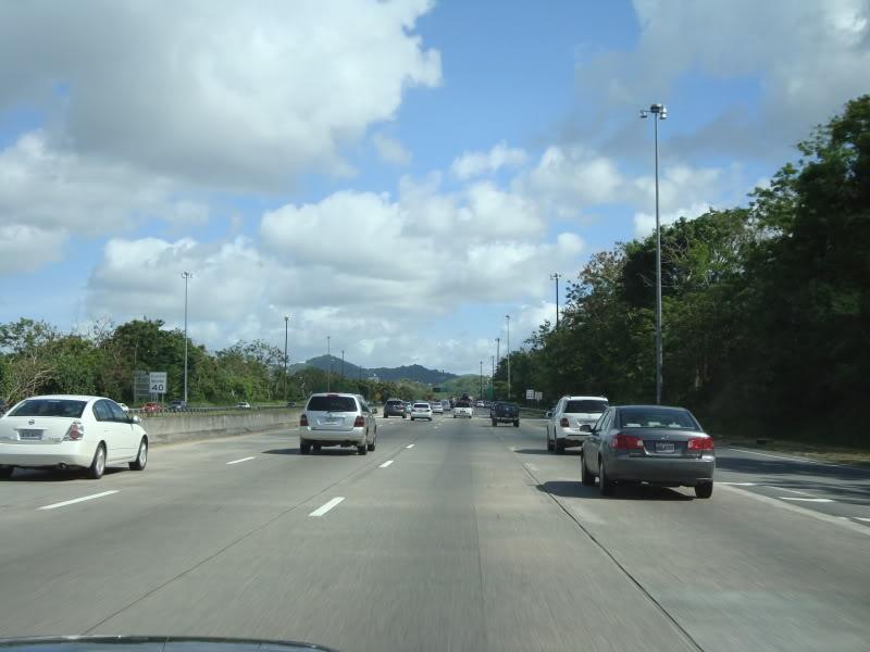 Cứ 1000 người Puerto Rico thì có đến 621 chiếc xe hơi
