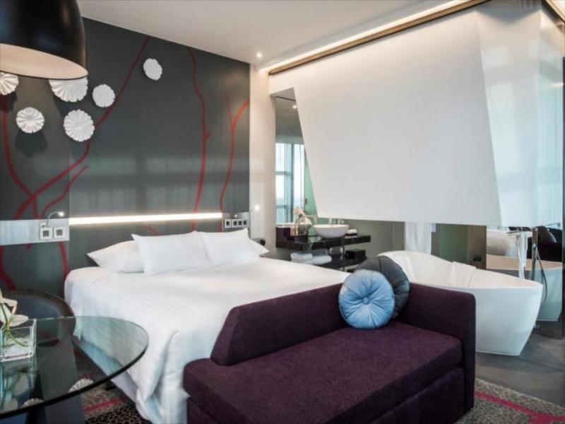 Phòng tại khách sạn Pullman Sài Gòn