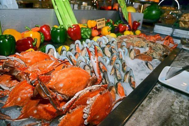 Buffet hải sản tại nhà hàng Riviera