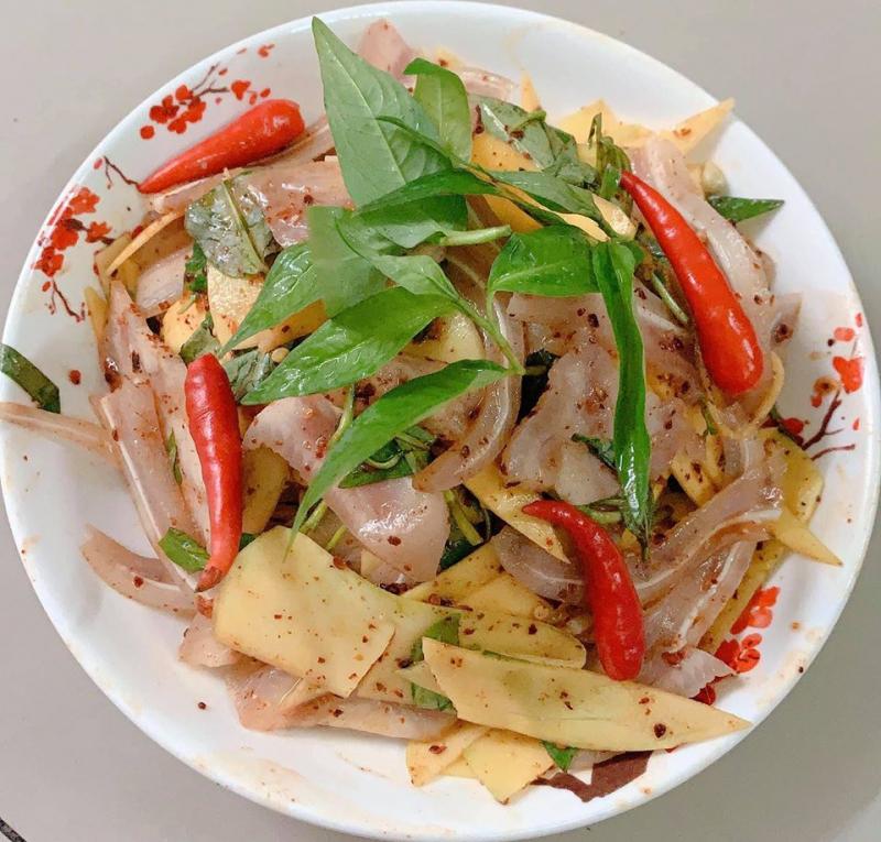 Các món ăn vặt độc đáo tại đây, được chế biến kĩ lưỡng, đảm bảo từ nguyên liệu tới hương vị