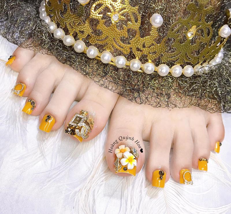 QH - Nail Beauty