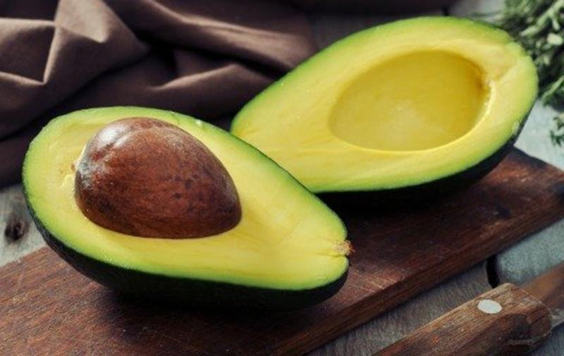 Folate có trong quả bơ giúp ngăn chặn dị tật thai nhi