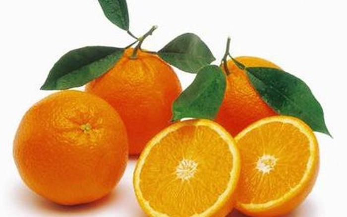 Cam có chứa rất nhiều vitamin C cùng chất xơ tốt cho da và đôi mắt.