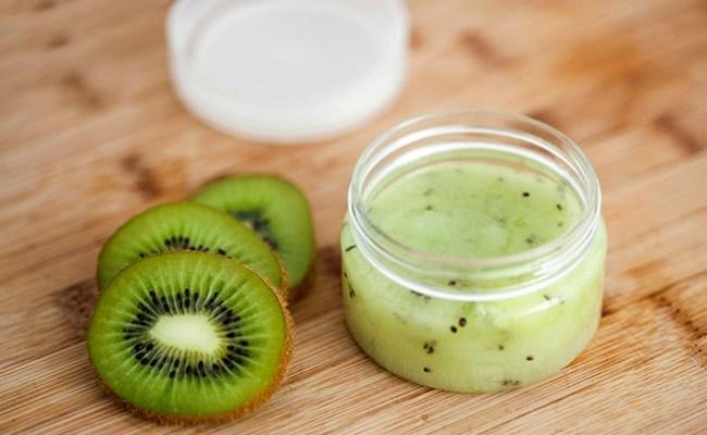 Mặt nạ Kiwi sữa chua giúp da mềm mịn