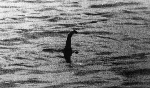 Bức ảnh cho thấy quái vật hồ Loch Ness