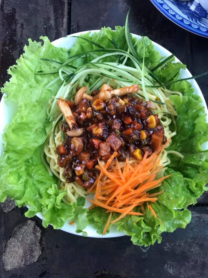 Mì tương đen của quán ăn Chay Tịnh Lâm Nhi