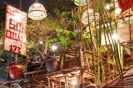 Top 15 Quán ăn kỳ lạ và độc đáo giữa lòng Thủ đô Hà Nội ít ai biết