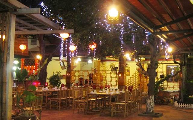 Quán ăn sân vườn Phong Ký