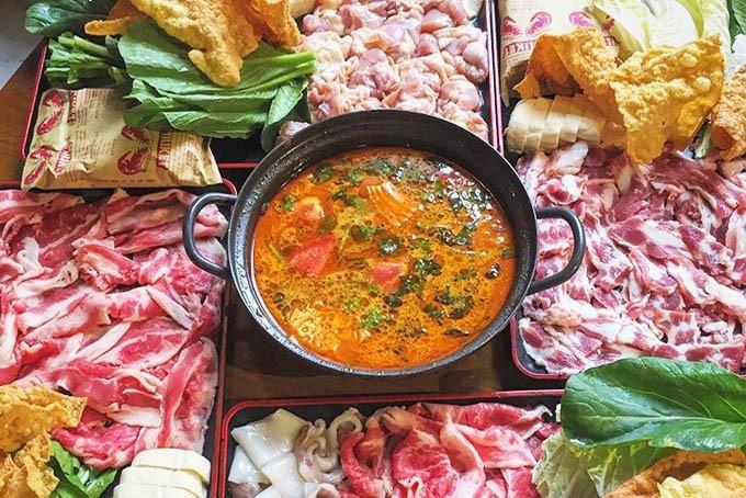 Uni BBQ là quán ăn dành cho những ai yêu thích các món lẩu, nướng xiên que.