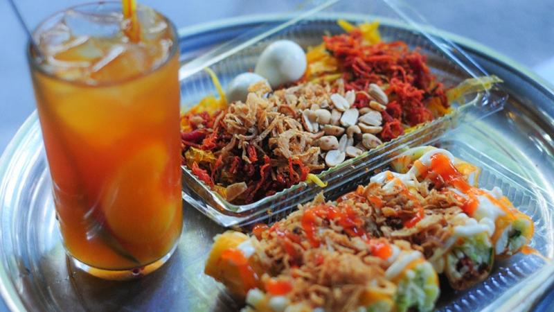 Top 12 quán ăn vặt ngon nhất ở phố Nguyễn Chí Thanh, Hà Nội