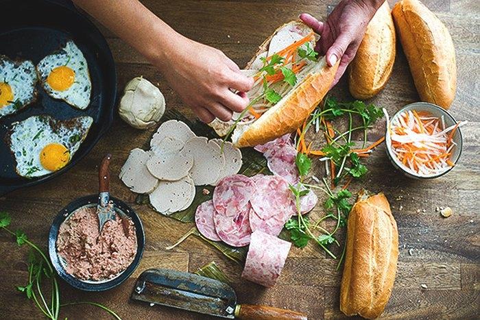 Top 7 tiệm bánh mì Việt ngon nức tiếng hút khách Tây