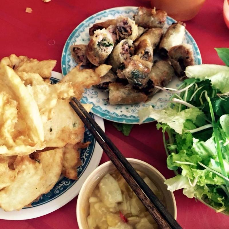 thật hấp dẫn bánh rán Quang Trung