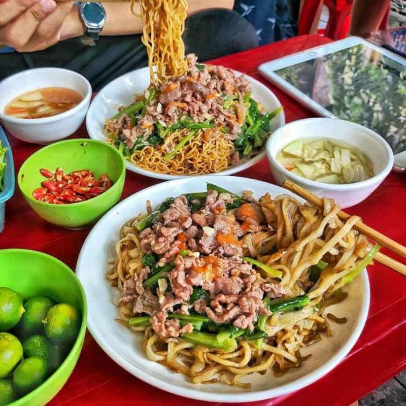 Quán Bún Đậu Mắm Tôm - 56 Nguyễn Văn Linh