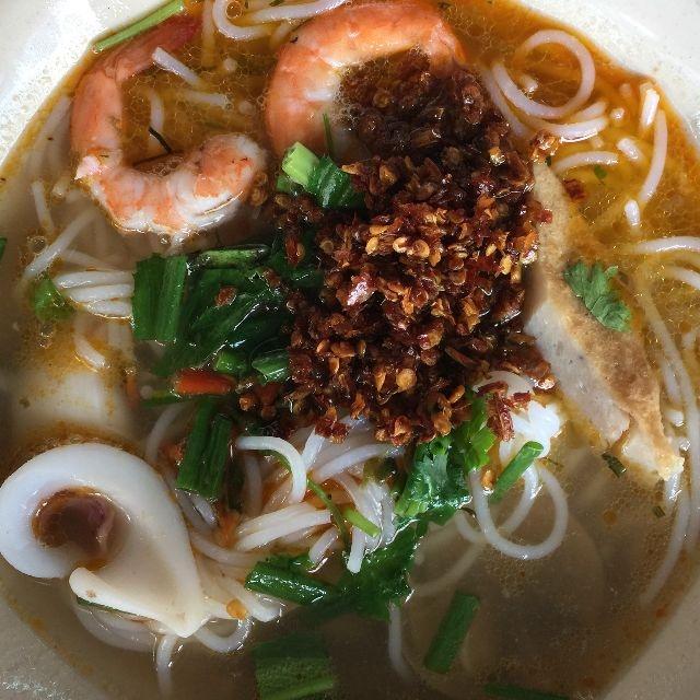 Bún Thái Hải Sản (Nguồn ảnh Lozi)