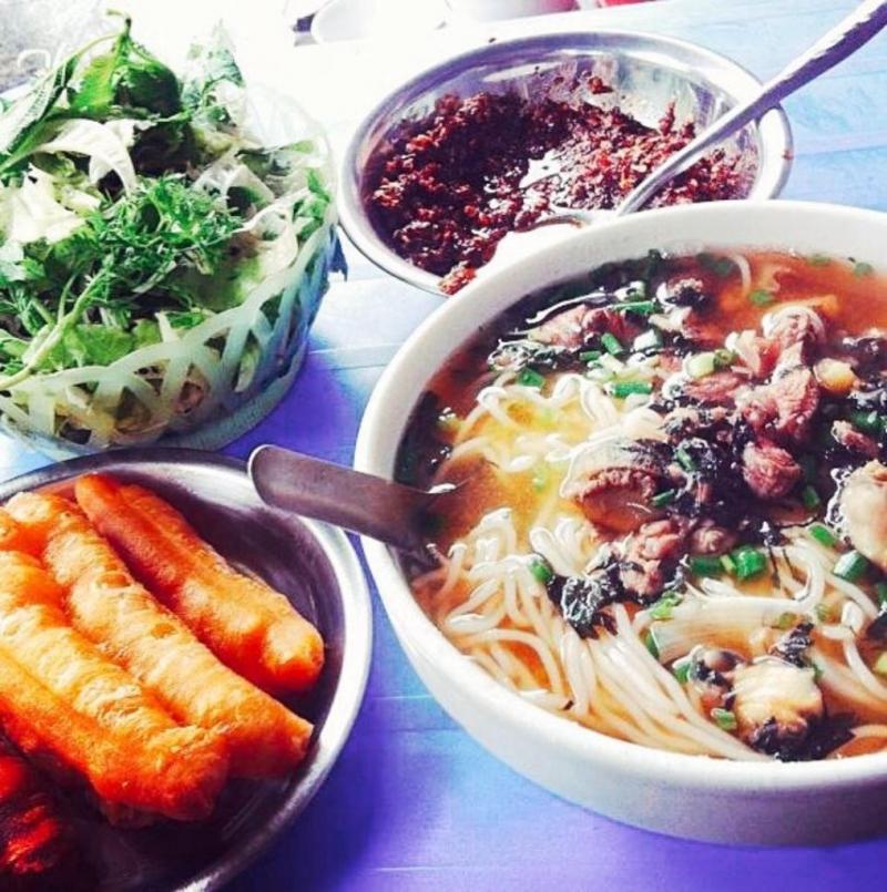 Ms Lan's rice noodles