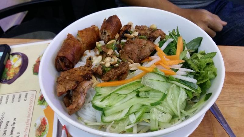 Quán bún thịt nướng Tứ Sơn - Quán bún thịt nướng ngon nhất tại Sài Gòn