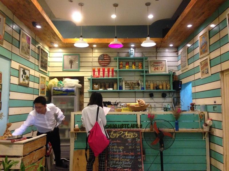 Một góc quán xinh xắn của August Cafe