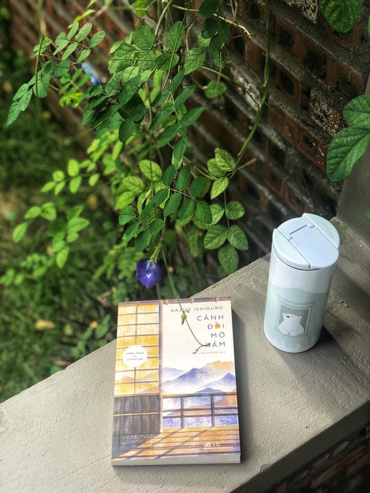 Sách và đồ uống tại Book Nest