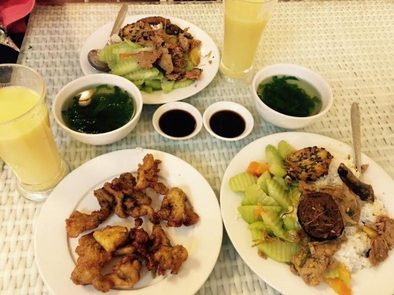 Cơm chay Long Hoa - Loving Hut