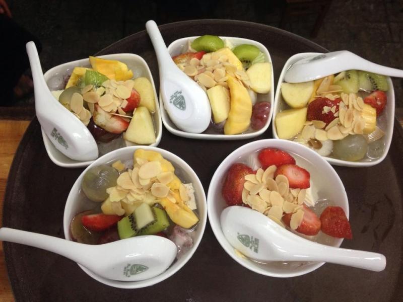 Quán Coconut & Pumpkin nổi tiếng với chè ngon và những món ngọt khá lạ miệng