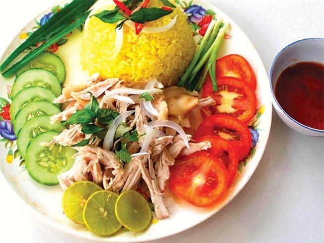 Quán cơm gà bà Ký Tam Kỳ là một trong những quán cơm gà ngon nhất ở Đà Nẵng